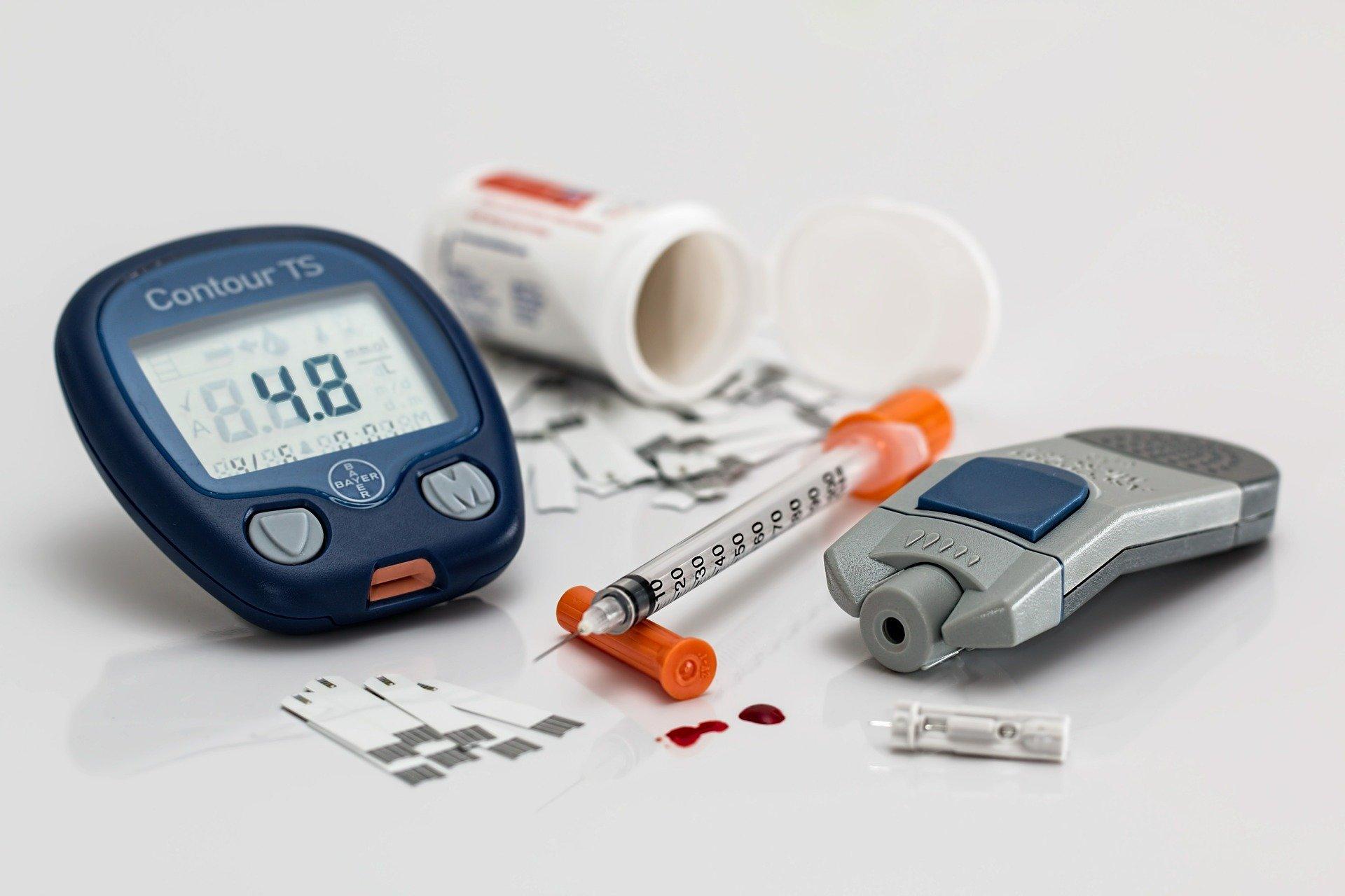 Diabetická noha, bolest kloubů, snížení hustoty kostí. Jak cukrovka může ovlivnit vaše končetiny?