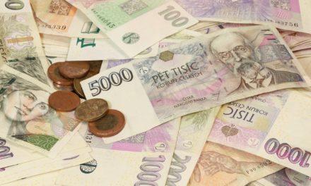 Komentář ekonoma: Peníze by měly vydělávat další peníze