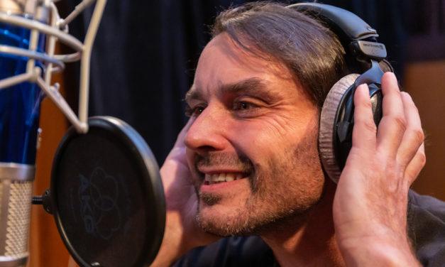 Syn slavného zpěváka Pavla Nováka natočil hudební klip Svět. Jak se vám líbí?
